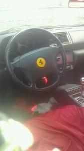フェラーリ355の中